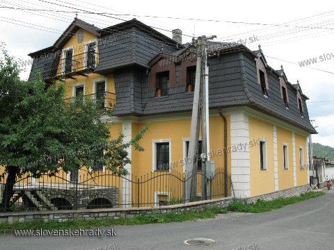 Spišské Hanušovce - klasicistický kaštieľ