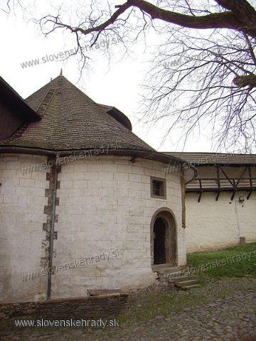 Starý zámok - románsky karner (kostnica)