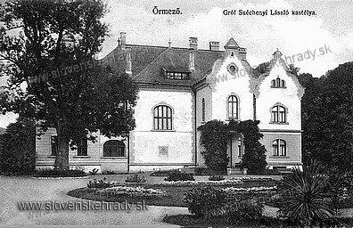 Strážske - historizujúci kaštieľ v roku 1909<br>Zdroj: aukro.sk