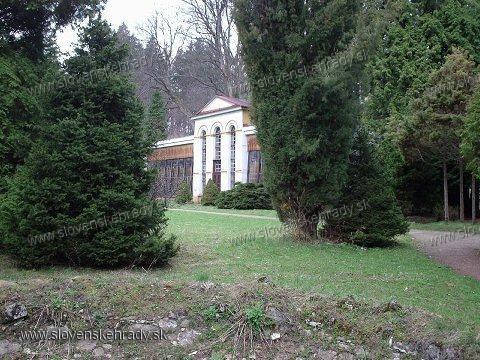 Turčianska Štiavnička - renesančný, barokovo-klasicisticky upravený kaštieľ