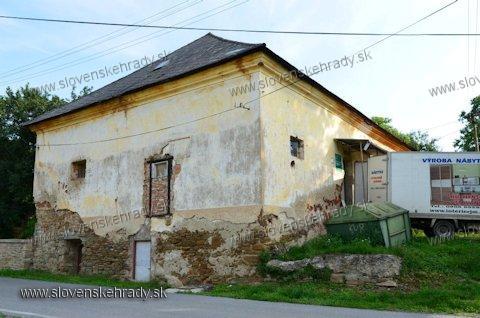Uzovský Šalgov - renesančná kúria