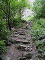 Viniansky hrad - kamenné schody k Vinianskemu hradu