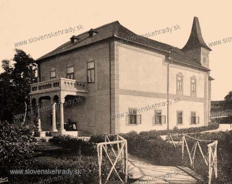 Žemberovce - klasicistický kaštieľ s neoromantickou úpravou - zbierka Borovszky