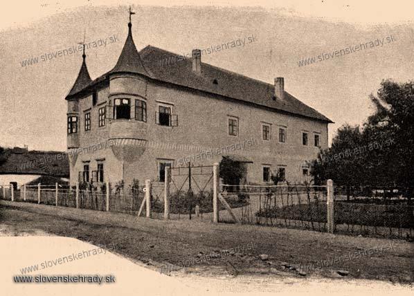Zemianske Kostoľany - mladší renesančný kaštieľ - zbierka Borovszky