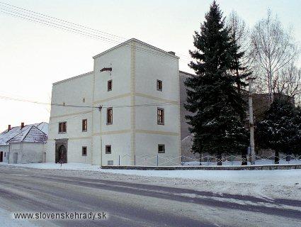 Zemianske Kostoľany - starší renesančný kaštieľ