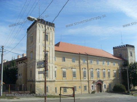Žiar nad Hronom - renesančno-barokový kaštieľ