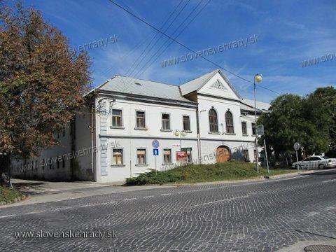 Zlaté Moravce - kúria Paluškovcov
